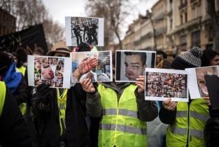 La justice est claire : la police peut cogner sur les Français, pas sur lesclandestins