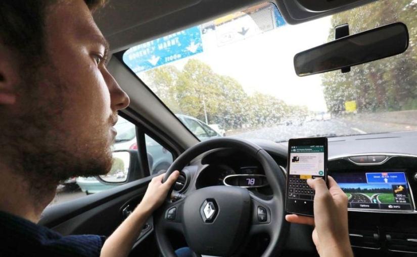 Téléphone au volant : le permis de conduire automatiquement retenu en cas d'infractiondouble
