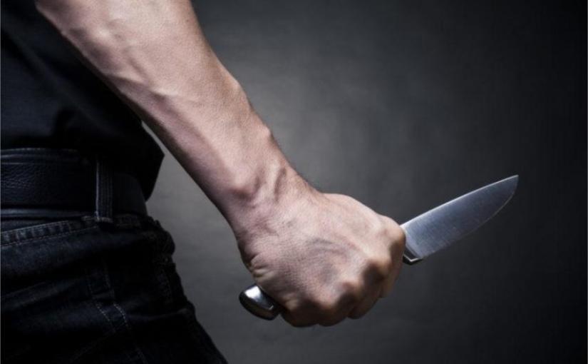 Il poignarde une vingtaine de fois sa femme, son fils la sauve, la justice le condamne à deux ans deprison